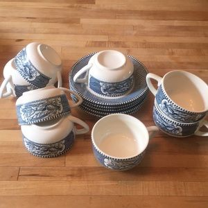 Americana tea cups and saucers